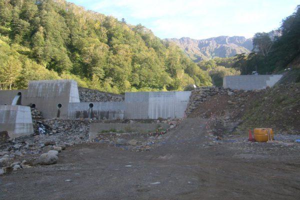 H30湯川第13号砂防堰堤工事