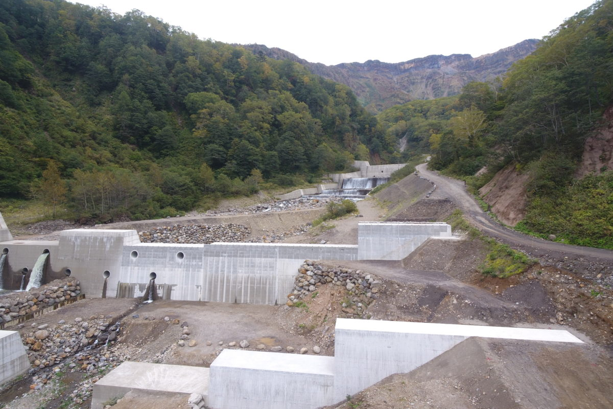 H30湯川第13号砂防堰堤工事写真
