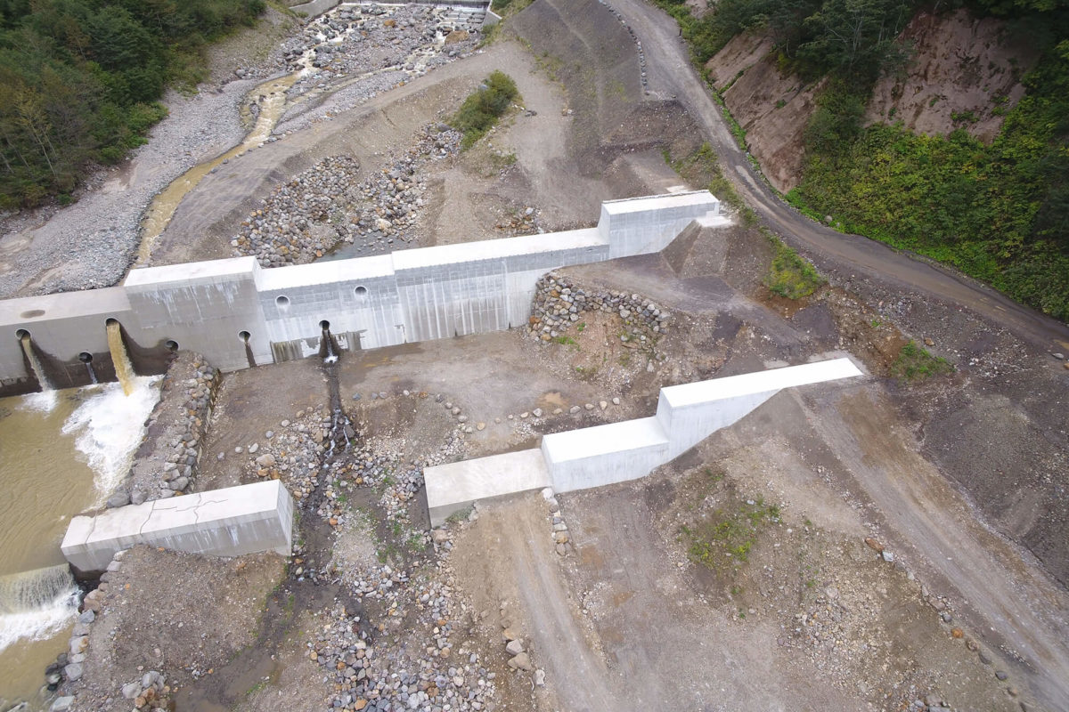 R1 湯川第13号砂防堰堤工事写真