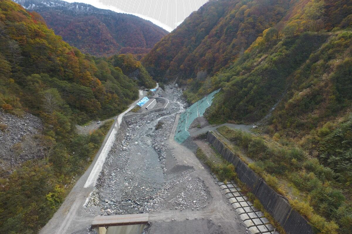R3 真川・ホトロ谷合流点処理工事写真